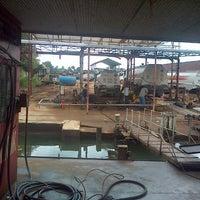 Photo taken at Kapal Tongkak PT Global Artha Borneo by Alfonsus M. on 4/26/2013