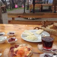 2/5/2018 tarihinde Oxana V.ziyaretçi tarafından Hacı Anne'nin Yeri Gözleme ve Kahvaltı Evi'de çekilen fotoğraf