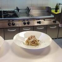 3/18/2013 tarihinde Roberto B.ziyaretçi tarafından Laguna Sky Restaurant'de çekilen fotoğraf
