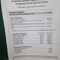 Photo taken at Andrews Caramel Apples by Bauce M. on 5/8/2014