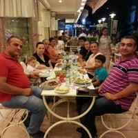 7/15/2014 tarihinde Özgen K.ziyaretçi tarafından Bornova Elit Restaurant'de çekilen fotoğraf