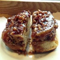Das Foto wurde bei Flour Bakery + Cafe von Megan B. am 7/28/2013 aufgenommen