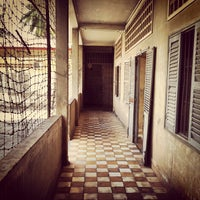 Photo taken at Tuol Sleng Genocide Museum by Hugo C. on 10/29/2012