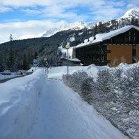 Foto scattata a Ambiez Residencehotel Madonna di Campiglio da Residencehotel nelle Dolomiti il 9/11/2013