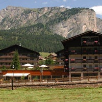 Photo taken at Hotel Antares by Residencehotel nelle Dolomiti on 9/11/2013