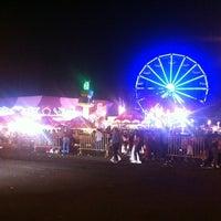 รูปภาพถ่ายที่ Fiestas de Octubre โดย ALX A. เมื่อ 10/21/2012