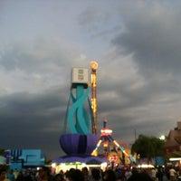 รูปภาพถ่ายที่ Fiestas de Octubre โดย ALX A. เมื่อ 10/17/2012