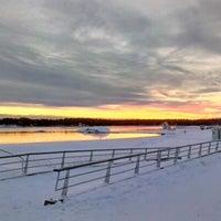 Снимок сделан в Aurinkolahden uimaranta пользователем Tapio T. 12/2/2012