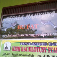 Photo prise au Warung Makan Bu Fat par Amik le8/10/2013