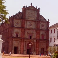 Photo taken at Basilica of Bom Jesus by Druny B. on 4/15/2013