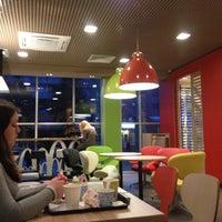 Снимок сделан в McDonald's пользователем Lolita D. 4/11/2013