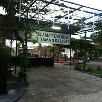 Photo taken at Taman Cafe JEC by Mohammad Raihan M. on 12/2/2012
