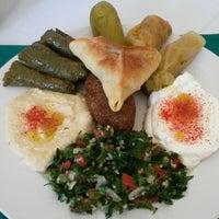 Foto tomada en Baalbek Lebanese (Arabian) Food por Javier R. el 5/3/2015