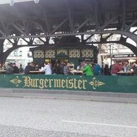 4/14/2013 tarihinde Andrea D.ziyaretçi tarafından Burgermeister'de çekilen fotoğraf