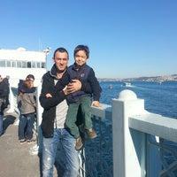 Photo taken at Istanbul Eminonu Balik Ekmek by Gůlay Batuhan on 10/20/2013