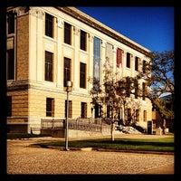 Foto tirada no(a) Cushing Memorial Library and Archives por Jessica F. em 10/14/2012