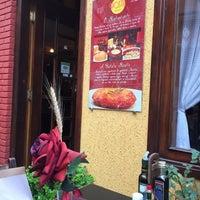 Foto tirada no(a) Rostie Restaurant por Luciano S. em 9/25/2016