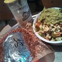 6/27/2013にBenny C.がChipotle Mexican Grillで撮った写真