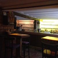 Foto diambil di Escadabaixo Pub e Butiquim oleh Leo J. pada 4/17/2013