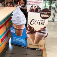 Photo taken at McDonald's by Chu Yeong Y. on 11/13/2017