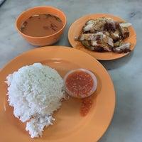 Photo taken at Restoran Nam Cheow by Mamoru on 1/2/2015