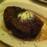 Photo taken at Ruth's Chris Steak House by Den Y. on 7/25/2013