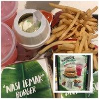 Photo taken at McDonald's / McCafé by Edgar W. on 8/31/2017