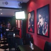 6/2/2013 tarihinde Victor A.ziyaretçi tarafından Mystic Rock Bar'de çekilen fotoğraf