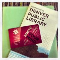 รูปภาพถ่ายที่ Central Library โดย Lissette E. เมื่อ 4/25/2013