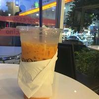 Photo taken at Caffè D´Oro (คาเฟ ดิโอโร่) by Eyezii on 11/4/2016