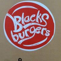 Снимок сделан в Blacks Burgers пользователем Alex J. 9/8/2013