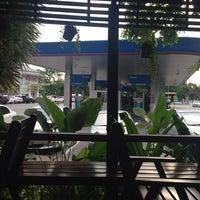 Photo taken at PTT Gas Station by 🍹Tückÿ♛Vïvä🍹 on 7/22/2014