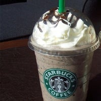 7/28/2013 tarihinde Zafer D.ziyaretçi tarafından Starbucks'de çekilen fotoğraf
