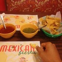 Photo prise au Jesse's Mexican Grill par Robert J. le8/26/2013
