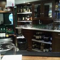 Foto tomada en Restaurante Caney por koji K. el 2/22/2014