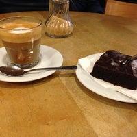 Das Foto wurde bei Milia's Coffee von polakueche am 12/13/2012 aufgenommen