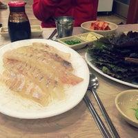 Photo taken at 황제회양념집 by Yoonji L. on 2/4/2014