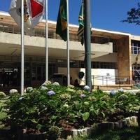 Foto tirada no(a) Prédio I - PUC Minas por Priscilla B. em 4/5/2014