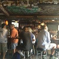 รูปภาพถ่ายที่ The Kingfish Pub & Cafe โดย Cheryl M. เมื่อ 6/29/2013