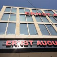Das Foto wurde bei Ernst-August-Galerie von Christoph H. am 5/4/2013 aufgenommen
