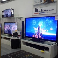 Photo taken at Atlanta Electronic Appliances by Andrias E. on 11/29/2012