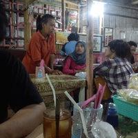Photo taken at Nasi Goreng Padang by Andrias E. on 10/19/2012