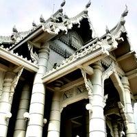 Photo taken at Wat Kaew Korawaram by Zatopp T. on 12/16/2012