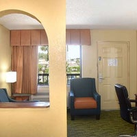 Photo taken at Best Western Orlando East Inn & Suites by Best Western I. on 5/28/2017