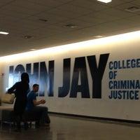 Das Foto wurde bei John Jay College of Criminal Justice von Eder N. am 4/25/2013 aufgenommen
