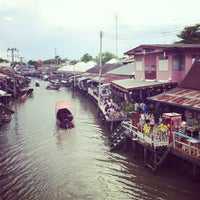 Photo taken at Amphawa Floating Market by Davidkoong on 6/16/2013