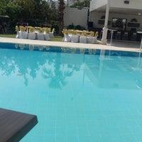 4/28/2018 tarihinde Ahmet Beyzade K.ziyaretçi tarafından Lara World Hotel Havuz Başı'de çekilen fotoğraf