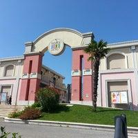 Foto scattata a Valmontone Fashion District da Danilo ✌ il 7/20/2013