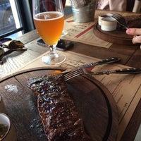 Снимок сделан в United Butchers grill bar пользователем Dequa 6/10/2017