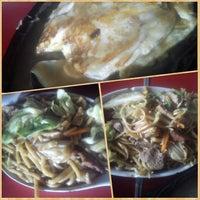 Photo taken at Wan Wan Restaurant by Jaysee R. on 2/16/2014